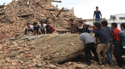 LIVE: Aftershocks continue to rock Nepal; at least 1,800 dead