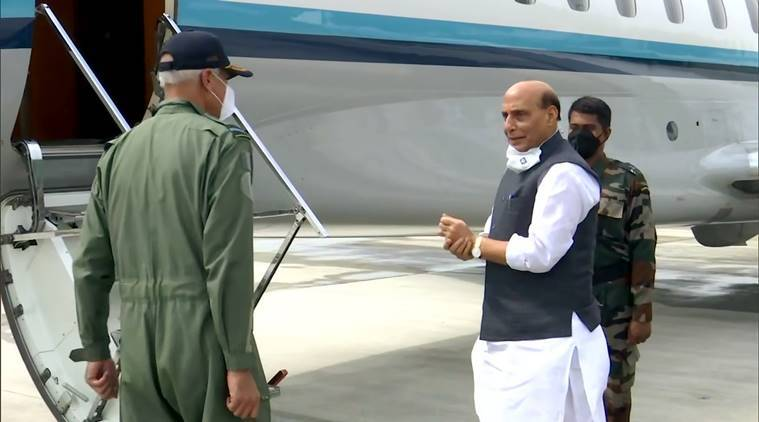 Rajnath meets with military top brass, reviews LAC situation