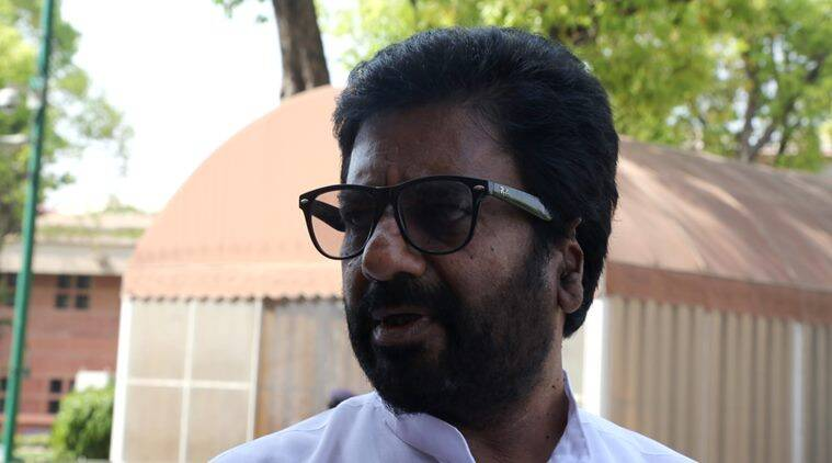 Ravindra Gaikwad, Gaekwad, Shiv sena, Air India, Ravindra Gaikwad to AI officials, Ravindra Gaikwad FIR, DElhi police, Ravindra Gaikwad defamation case, R Sukumar, india news, Gaekwad news, indian express news