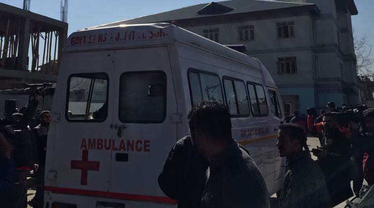 Srinagar hospital firing: Two cops injured in firing, Pakistani terrorist escapes