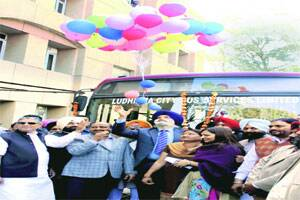 MC flags off 11 new city buses; Cong,state govt fight forcredit