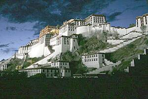 Tibet to open up for tourists from abroad