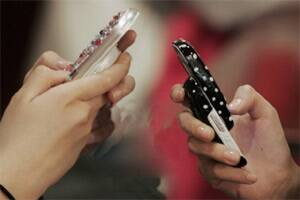 One in four teens use cellphones to browseweb