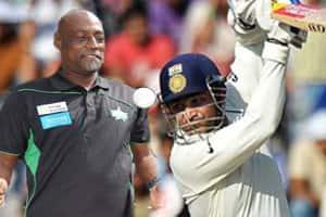Virender Sehwag,Viv Richards most exciting batsmen I've seen: JeffreyArcher