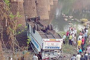 M_Id_367671_Mumbai-Goa_bus_accident