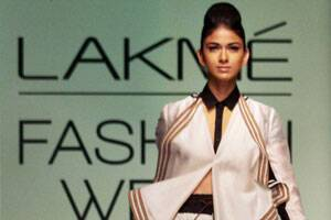 M_Id_368972_Budding_designers_open_Lakme_Fashion_Week
