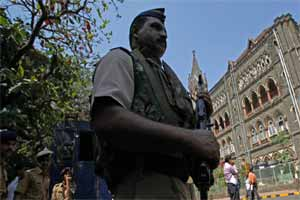 Mumbai High Court acquits housewife convicted for killinghusband