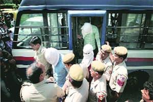 Bhardwaj murder: Hunt for guru,TV journalist questioned