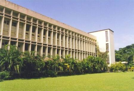 IIMs want foreign students with degrees and intl accreditation