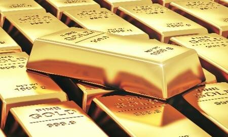 Gold prices at 11-month low,crude falls too
