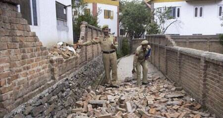 Panic after fresh tremors rock Kashmirvalley