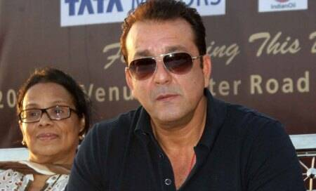 Sanjay Dutt withdraws plea,set to surrender before TADA court tomorrow