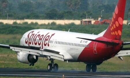 Suspicious packet creates panic,delays New Delhi-bound SpiceJet flight