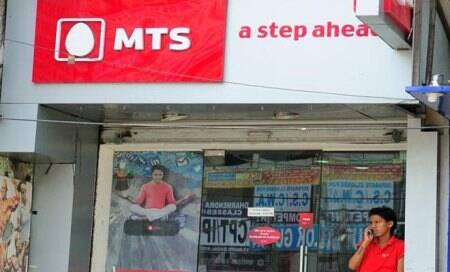MTS launches dual technology smartphone for Rs 4,799