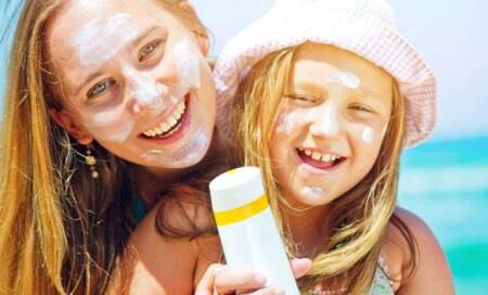 Sunscreen slows skin aging,if used often enough