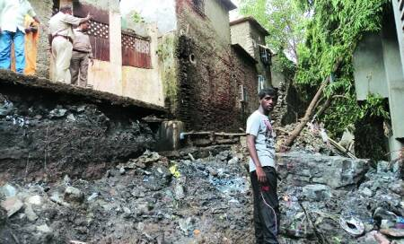 Two killed,two hurt in Bhandup wall collapse