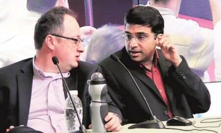 Viswanathan Anand draws with Gelfand,to play Carlsen next