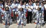 Chinese astronauts succeed in manual docking with space lab