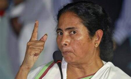Setback to Mamata,HC asks Bengal govt to include all leading newspapers in libraries