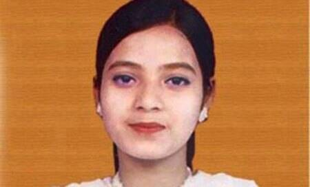 Gujarat crime branch had fired 70 rounds at Ishrat,others