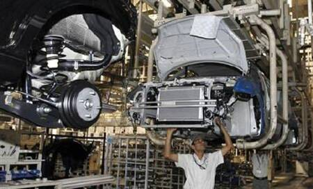 Demand slump forces Maruti to cut production; 200 staff to go onleave