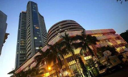 BSE Sensex soars 382 pts on US Fed comments,strong Indian rupee
