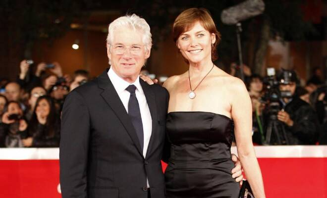 M_Id_401952_Richard_Gere_and_Carey_Lowell