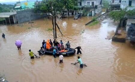 Flood alert in East Godavari district of Andhra Pradesh