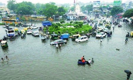 Heavy rains lash central,southGujarat