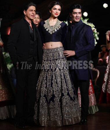 58d7d0455e ... world setting and 1930's inspired wedding collection,Bollywood's  favourite designer Manish Malhotra brought the curtain down at the PCJ  Delhi Couture.