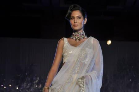 Unfair to do Bollywood film before learning Hindi: BrunaAbdullah
