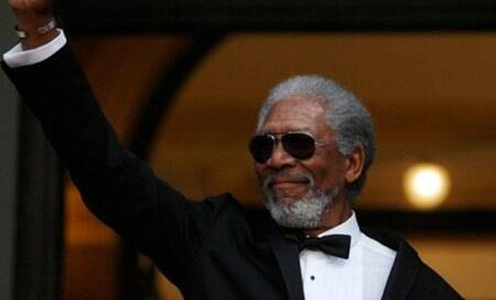 Morgan Freeman auctions off golf game for charity