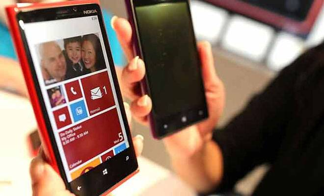Smartphone sales exceed feature phones in Q2 of 2013:Gartner