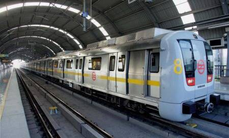 Glitch strands Delhi Metro commuters on Dwarka-Noida route