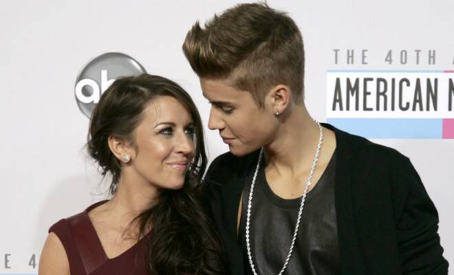 M_Id_411515_Pattie_Mallette_and_Justin_Bieber
