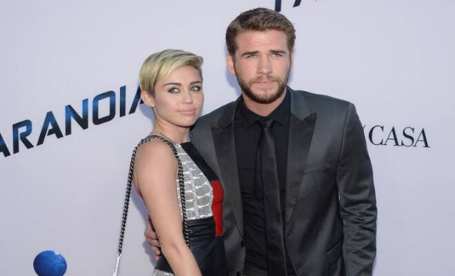M_Id_420585_Miley_Cyrus_and_Liam_Hemsworth