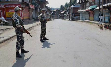M_Id_420604_Kashmir_Curfew