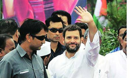Revoke Kalmadi's suspension: Cong leaders to Rahul Gandhi
