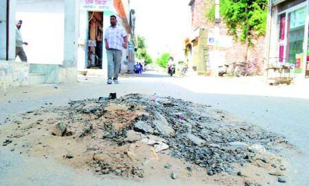 Ishar Nagar road: 21 months on,blame game continues between MC and sewerage board