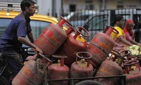 LPG cylinders to be available at petrolpumps