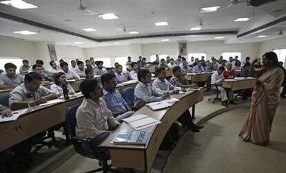 India lures foreign colleges to cash in working-ageboom