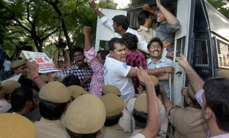 Telangana decision triggers massive protests in Andhra,Jagan to go on fast