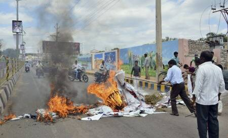 Andhra Pradesh: Seemandhra powerless as shutdown continues overTelangana
