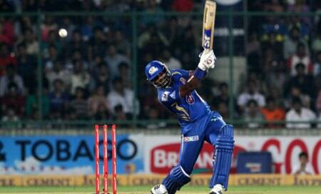 Dwayne Smith turns into Mumbai Indians' rock
