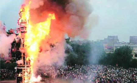 City celebrates Dussehra,burns effigies; some target real evils