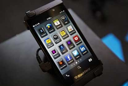 Some 240,000 Android apps from Amazon's app store will be available for on BlackBerry 10 devices this fall.