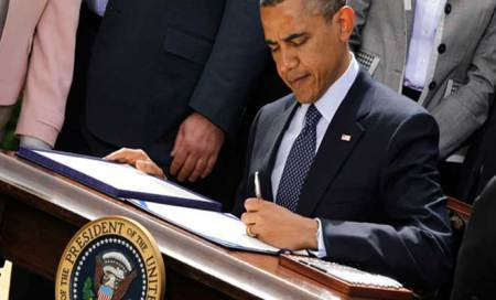 US Congress passes debt deal bill; Obama signs to end 16-day shutdown