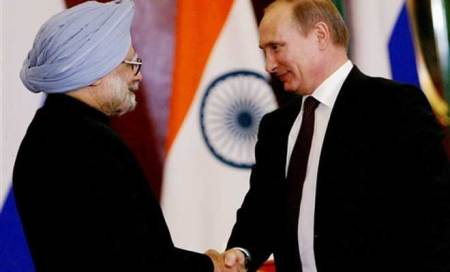 Manmohan,Putin ask officials to resolve Nuclear-plant issues