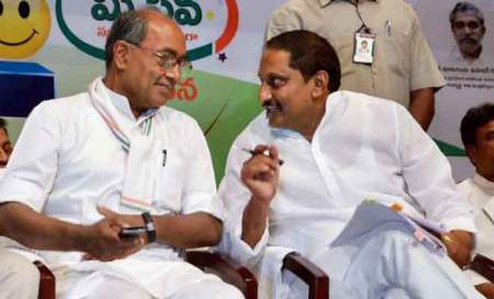 Andhra CM will not create new party,will remain in Congress:Digvijaya