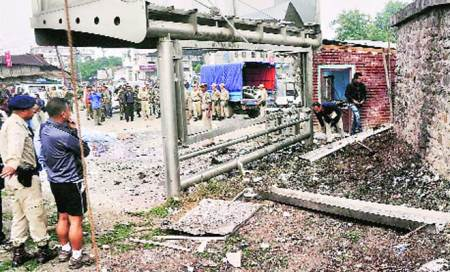 Manipur: 2 die in twin blasts
